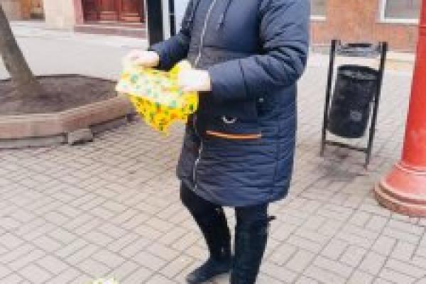 У Франківську дільничний склав протокол на жінку, яка торгувала підсніжниками