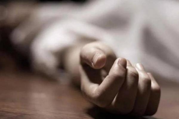 На Прикарпатті працівники поліції витягнули з ставка тіло