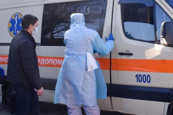 На коронавірус захворіли дві медсестри, які контактували з чоловіком померлої франківки