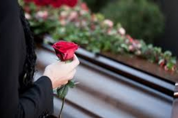 В Івано-Франківську поховали жінку, яка померла від коронавірусу
