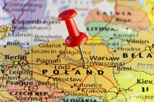 Прикарпатців, які перетнули кордон з Польщею довезуть додому