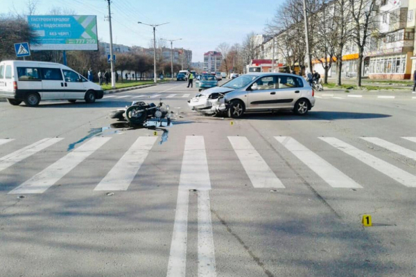 У Калуші водій Хонди збив п'яного мотоцикліста