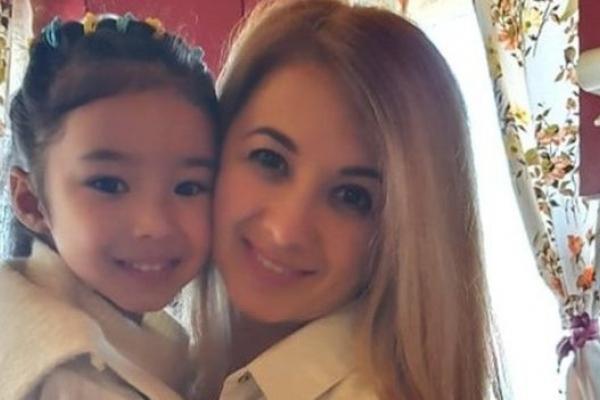 Як 5-річна дівчинка з Прикарпаття викладає китайську (Відео)