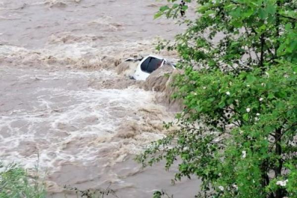 На Івано-Франківщині за дві доби випало до 2-2,5 місячних норм дощу (Відео)