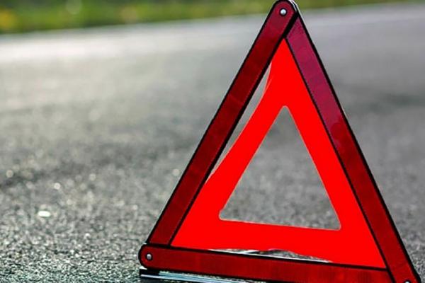 На Надвірнянщині вантажівка збила підлітка на мопеді