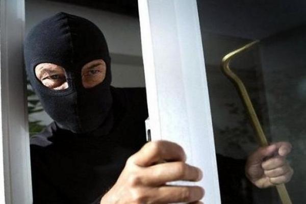 Понад 10 крадіжок за добу сталось на Прикарпатті