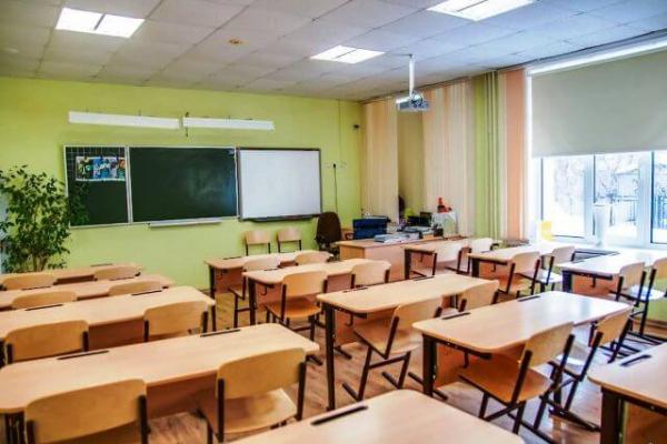 Франківські школярі за бажанням зможуть навчатися дистанційно