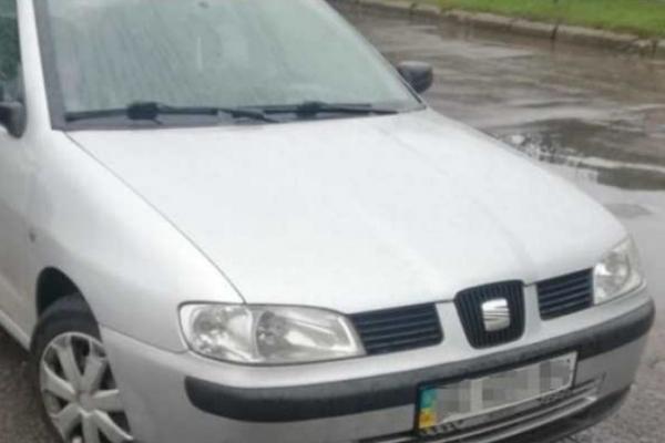 На Прикарпатті спіймали двох водіїв з підозрілими документами
