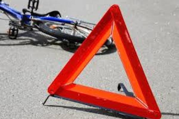 На Прикарпатті водій авто збив велосипедистку