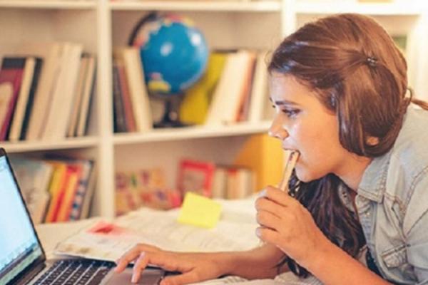 У Франківську учні 5-11 класів з понеділка можуть перейти на дистанційне навчання