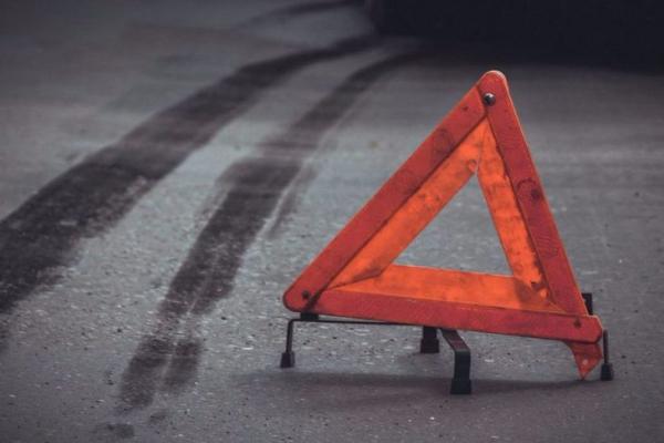 На Прикарпатті жінка потрапила під колеса легковика