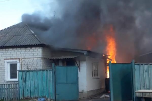 На Прикарпатті горіли два житлових будинки