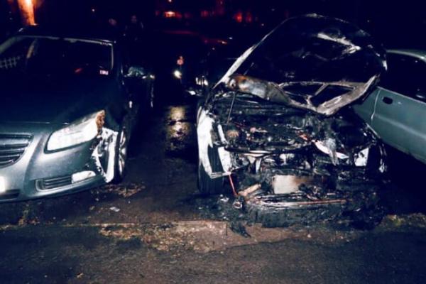 Поліцейські розслідують загоряння автомобіля у Калуші (Фото)