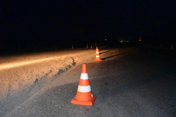 В Коломиї автівка злетіла з дороги і врізалася в електроопору
