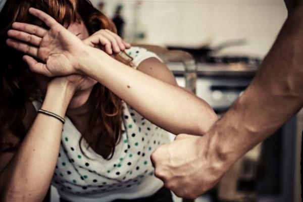 Двох прикарпатців засудили за домашнє насильство