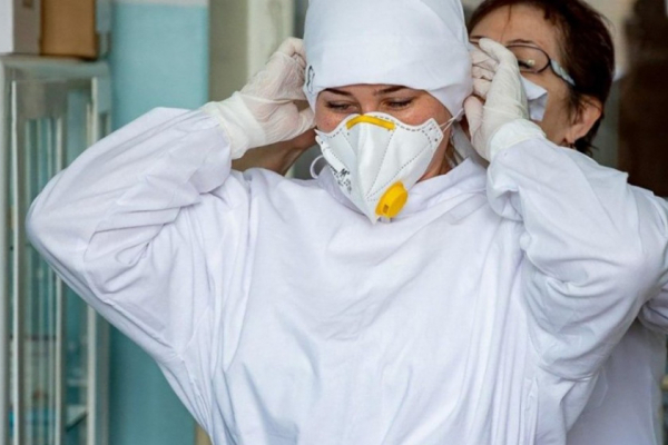З початку пандемії на Прикарпатті захворіло понад 1 900 медиків