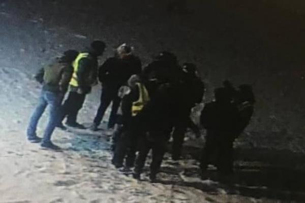 Компанія хуліганів робила збитки у центрі Франківська, а потім напали на поліцейських