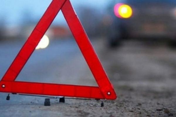 На Богородчанщині автівка врізалась у стовп. Постраждала дитина