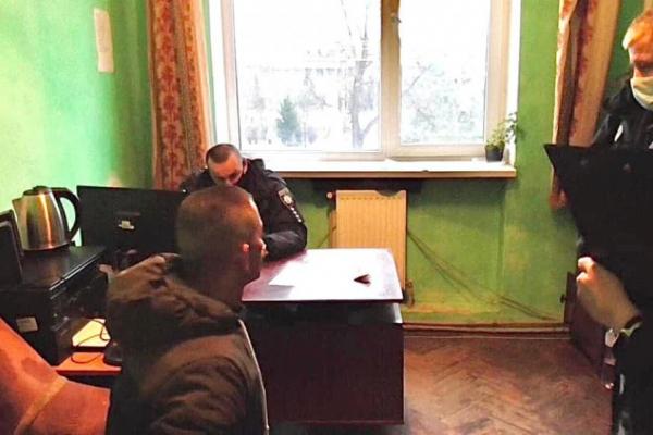 На Борогодчанщині чоловік намагався підкупити поліцейського