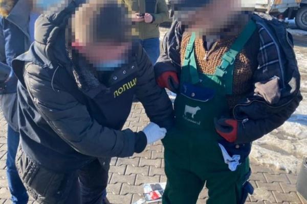 Прикарпатського начальника екологічної інспекції спіймали на хабарі