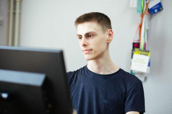 Першокурсник з Івано-Франківська розробив авторську програму з моніторингу коронавірусу в Україні та областях
