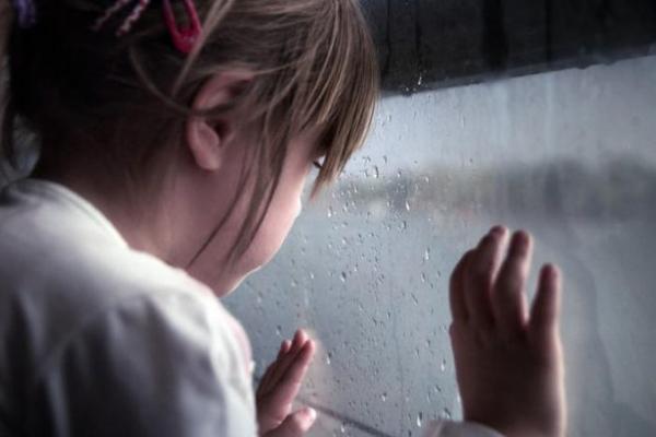На Прикарпатті двох дітей забрали із сім'ї