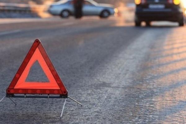 На Прикарпатті автомобіль наїхав на нетверезого пішохіда