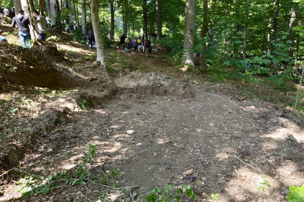Бункер та кулеметні точки: на Прикарпатті знайшли засекречене місце таборування бійців УПА