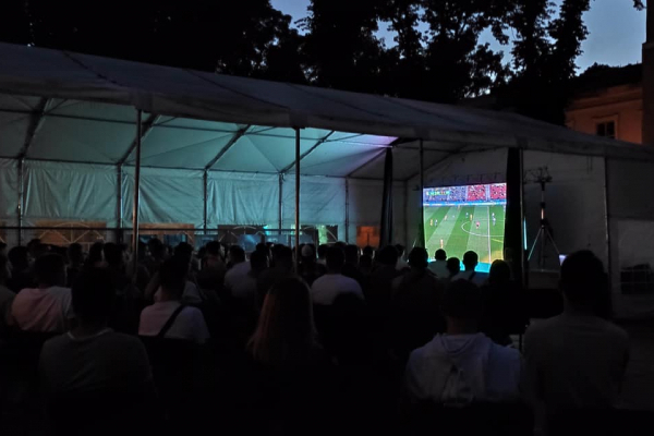 Франківців кличуть в парк вболівати за збірну
