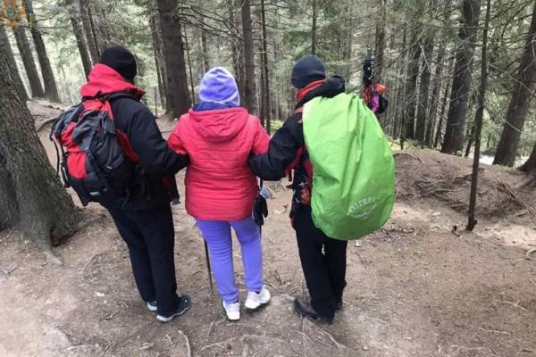 На Прикарпатті врятували туристку, якій стало погано в горах