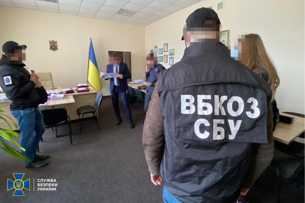 СБУ викрила на хабарництві керівника Держпраці в Івано-Франківській області